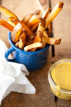Paula Deen Creole French Fries - must have maple mustard sauce recipe Hamburgers, French Fries Recipe, Best Dishes, Side Dishes, Main Dishes, Mardi Gras Food, Creole Cooking, Burger And Fries, C'est Bon