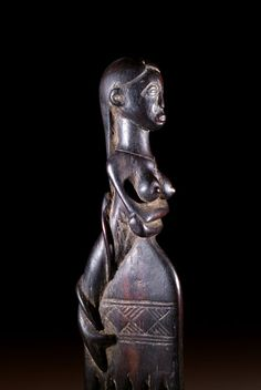 Mamiwata peinarse Madre de las Aguas (3)
