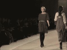 Needs to not skip the walk through | 20 People That Are Doing It Wrong. That is the greatest fall. I'm still laughing.