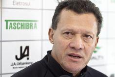 SUPER TREINADORES: TÉCNICO ABEL RIBEIRO AVALIA PROPOSTAS PARA RETORNA...