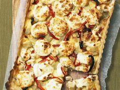 Quiche mit Süßkartoffeln und Ziegenkäse | Zeit: 40 Min. | http://eatsmarter.de/rezepte/quiche-mit-suesskartoffeln-und-ziegenkaese