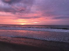 Amazing sunsets every night in Zorritos! ������ • • • • • • #sunsetlover #sunsets #sunsetspam #beach #peru #travel #adventure #zorritos #ocean #lifebythebeach #lifesimplepleasures #mothernature http://tipsrazzi.com/ipost/1508334222892313609/?code=BTurfv2D6wJ