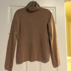 100% Cashmere Turtleneck Sweater Pure luxury cashmere sweater. Never worn, perfect condition! Charter Club Sweaters Cowl & Turtlenecks