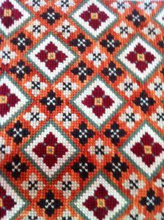 Cross Stitch Geometric, Cross Stitch Borders, Cross Stitch Patterns, Embroidery Hoop Art, Cross Stitch Embroidery, Orange Cushions, Palestinian Embroidery, Rugs On Carpet, Lana