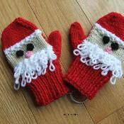 Santa Mitts - @Craftsy - pattern for purchase