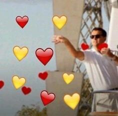 When bae posts a selfie Cute Memes, Dankest Memes, Funny Memes, Reaction Pictures, Funny Pictures, Sapo Meme, Heart Meme, Heart Emoji, When You Smile