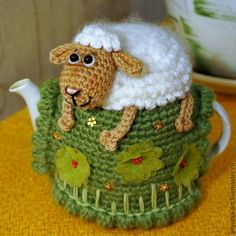 Crochet Sheep on the Hill Fairy Teapot Cozy Cover Pattern Crochet Sheep, Crochet Cozy, Crochet Animals, Tunisian Crochet, Tea Cosy Knitting Pattern, Knitting Patterns, Crochet Patterns, Teapot Cover, Knitted Tea Cosies