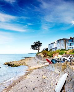Monday morning got you dreaming of summer holidays? Hit the link in our bio for ten reasons to consider the Isle of Wight this summer.  Matt Munro. by jamiemagazine
