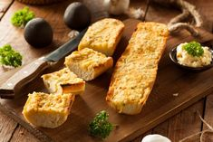 Recette garlic bread au fromage | Supertoinette Healthy Food Delivery, Healthy Meal Prep, Homemade Garlic Bread, Air Fryer Healthy, Types Of Bread, Quick Bread Recipes, Air Fryer Recipes, Recipe Using, Food Inspiration