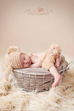 Baby bunny silky mohair crochet set available in size 0-12.  Visit my shop For more photo props :) Please join me on Facebook for a future promotions AND DISCOUNTS at...