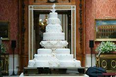 Hochzeitstorten kuchen braut groß weiß