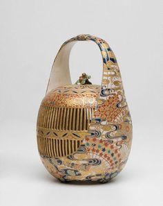 Cricket cage, (circa 1900). Satsuma ware (enamelled porcelain) made by Masanobu of Hodata. Art Gallery NSW Japanese Porcelain, Japanese Ceramics, Japanese Pottery, Pottery Sculpture, Pottery Art, Porcelain Ceramics, Ceramic Art, Satsuma Vase, Art Japonais