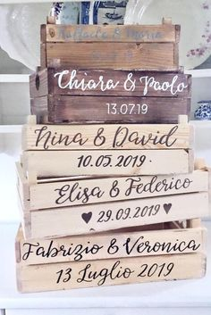 Wooden crate box / Custom rustic wood box / Decoration for wedding ceremony, reception, buffet Wood Box Decor, Rustic Wood Box, Wooden Crate Boxes, Wood Boxes, Wedding Favors For Guests, Bar Set, How To Distress Wood, Custom Boxes, Floral Arrangements