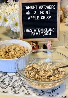 Weight Watchers Apple Crisp - The Staten Island family This Weight Watchers Apple Crisp is easy to make and is dairy and egg free! The recipe yields six HEFTY servings at just 3 points per serving. It is a great dessert option for any celebration Weight Watchers Apple Recipes, Weight Watchers Diet, Weight Watchers Desserts, Ww Recipes, Light Recipes, Recipies, Weight Watcher Apple Crisp Recipe, Fruit Recipes, Dinner Recipes