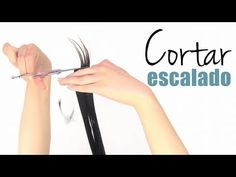 Cómo cortar el cabello escalado a capas (best tutorial ive found on the net.ive been cutting my own hair like this for almost 2 years) Beauty Make Up, Hair Beauty, Cabello Hair, Diy Haircut, How To Cut Your Own Hair, Hairstyles Haircuts, Hair Looks, Hair And Nails, Hair Extensions