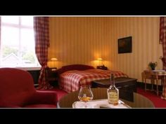 Schlosshotel Hugenpoet - Essen - Visit http://germanhotelstv.com/schlosshotel-hugenpoet This 5-star Superior hotel is a 17th century castle offering luxury accommodation award-winning cuisine and free parking. It is located in Essen's south western district of Kettwig. -http://youtu.be/6PejSvALt3U