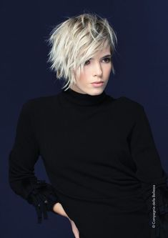 25 pixie bob haircuts for a neat look frisuren frauen frisuren männer hair hair women Popular Short Hairstyles, Bob Hairstyles, Bob Haircuts, Unique Hairstyles, Hairdos, Casual Hairstyles, Medium Hairstyles, Short Shaggy Hairstyles, Hairstyles Videos