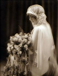 The 1920s bride - stunning photo.