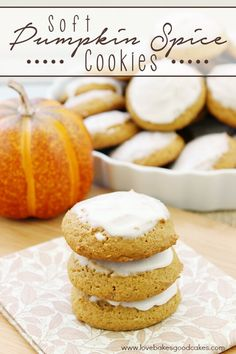 Full of pumpkin and spice, these Soft Pumpkin Spice Cookies are perfect for Fall baking and sharing! Easy to make! Pumpkin Recipes, Cookie Recipes, Dessert Recipes, Pumpkin Spice Cookies, Sugar Cookie Bars, Popular Recipes, Easy Recipes, Amazing Recipes, Delicious Recipes