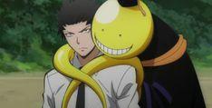 Koro-Sensei and Karasuma looking cozy! Assassination Classroom boys are May 2015 Man Crush Monday! ll Frick no Anime Guys, Manga Anime, Anime Art, Koro Sensei, Kaichou Wa Maid Sama, A Silent Voice, Animation, Fan Art, Cute Anime Wallpaper