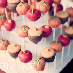 To play up the fall wedding, Catherine's sister baked pumpkin, chocolate, and caramel-apple cake pops for the dessert table. Apple Cake Pops, Pumpkin Cake Pops, Mini Cakes, Cupcake Cakes, Cupcakes, Fall Cake Pops, Thanksgiving Cake Pops, Wedding Cake Pops, Fall Cakes