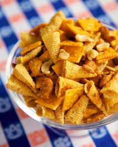 Buffalo Ranch Snack Mix {Football Friday} - this stuff is HIGHLY addictive!