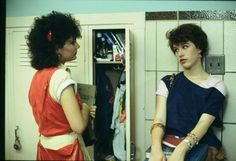 Sixteen Candles, Hughes' 1984 directorial debut and his first foray into teen movie territory, marked the beginning of a fruitful collaboration with Molly Ringwald. 80s Movies, Good Movies, I Movie, 1980s Films, Awesome Movies, Iconic Movies, Indie Movies, Classic Movies, Action Movies