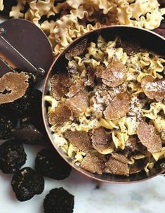 Confort Food, Iron Pan, Food And Drink, Pork, Beef, Sauces, Table, Truffle Recipe, Truffle Pasta