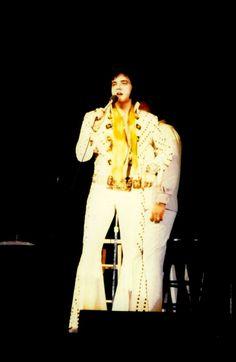 Elvis in concert in Jacksonville in april 16 1972.