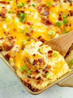 Potato Recipes: The Pioneer Woman's Twice Baked Potato Casserole Recipe is the BEST easy make-ahead side dish! Twice Baked Potatoes Casserole, Loaded Mashed Potatoes, Potatoe Casserole Recipes, Potato Recipes, Vegetable Recipes, Beef Recipes, Cooking Recipes, Cook Potatoes, Potatoes Crockpot