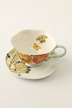 i'm obsessed w/ teacups and saucers.