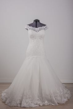 e10d1f246 Justin Alexander - 8708 - We are simply dazzled by this Justin Alexander  gown - the
