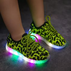 2017LED Fashion Shoes Kids Colorful Flashing Breathable Shoes Light up Casual Shoes Mesh Glowing Children Shoes Cuissardes child