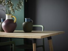 Made of sturdy solid birch wood, veneer and durable steel, IKEA YPPERLIG table is a refreshing take to the Scandinavian plank table. Ikea X Hay, Ypperlig Ikea, Ikea New, Vase Vert, Diy Originales, Interior Ikea, Plank Table, Dining Table In Kitchen, Dining Tables