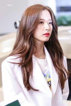 Kpop Girl Groups, Korean Girl Groups, Kpop Girls, Aphrodite Cabin, Wjsn Luda, Cosmic Girls, Tumblr Girls, Hair Inspo, Idol