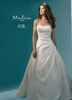 Este vestido de novia de Alfred Angelo, cuenta con un corpiño de cuentas…