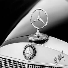 Mercedes 180D  PHOTOSTUDIO STUDIO TIEFGARAGE im Oldtimermuseum Wiener Neustadt/Austria Fotograf: Franz Baldauf Photoshooting Mercedes Benz . #oldtimer #classiccar #Mercedes #benz #car #Photoshooting  #vintagecar #benz #autofotografie #carphotography #Carphotoshooting #oldcar #auto #Studiotiefgarage #oldtimerfotografie #oldtimerphotography #franzbaldauffotograf #wienerneustadt #weltinbewegung #bw #bnw #stern Classic Mercedes, Mercedes Benz Cars, Classic 350 Royal Enfield, Apple Wallpaper, Sport Cars, Peugeot, Perfume Bottles, Friends, Autos
