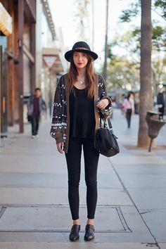boho chic 2017 outfit with hat Knit Fashion, Boho Fashion, Fashion Outfits, Womens Fashion, Fashion Trends, Female Fashion, Look Boho Chic, Street Style Blog, Moda Boho