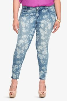 7127dddbde9 Torrid Denim - Cabbage Rose Print Ankle Zip Stiletto Jeans Women s Plus  Size Jeans