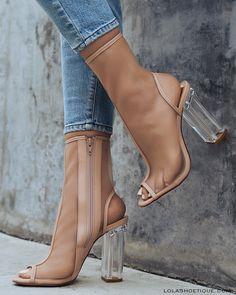#lolashoetique #love #nude #heel #blockheel #lifestyle #fashion #blogger #ootd #summer #spring