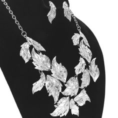 Fluttering Silver Metal Fall Leaves Necklace Set Elegant Jewelry