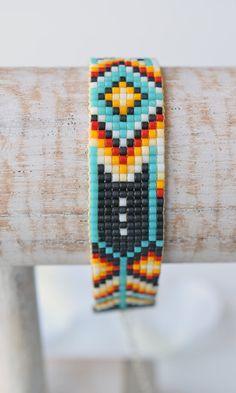 Gewebtes Perlen Armband W012 von FreubelleBijoux auf Etsy