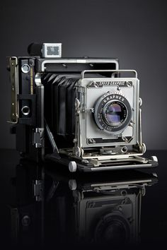 Antique Cameras, Vintage Cameras, Photo Equipment, Photography Equipment, Photography Camera, Vintage Photography, Pregnancy Photography, Portrait Photography, Fashion Photography