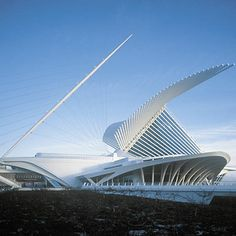 Calatrava -Milwaukee Museum | Santiago Calatrava The Milwaukee Art Museum Milwaukee, Wisconsin