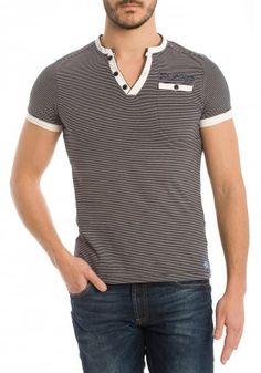 Camisetas de Six Valves para Hombre en Pausant.com V Shape T Shirt, My T Shirt, Camisa Polo, Tartan Men, Casual Wear, Men Casual, Daily Fashion, Mens Fashion, Estilo Cool