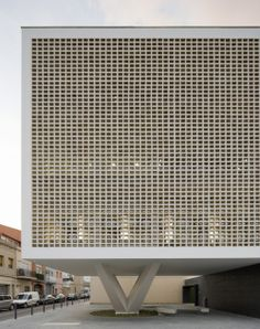 Facade of Progres Raval Health Centre in Badalona Cubic Architecture, Architecture Details, Interior Architecture, Interior Design, Beautiful Architecture, Building Skin, Building Structure, Building Design, Breeze Block Wall