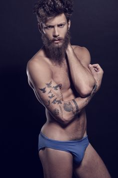 beards, hectic. this would be such an intense photo in the context of documentaries Andrea Marcaccini