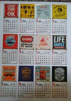 先日のDAISOカレンダーの記事にも書いたのですがカレンダーのイラストがPOPで素敵なカレンダーを購入☀ でもこれカレンダーとして使うんじゃなくて アレを作る素材として買ってきたんです。 そんなカレンダーを使ってあっという間にできるポスター作っていきます。