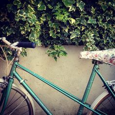 Remember that floral bicycle seat we spoke about? I couldn't wait to make it properly so I pulled out the staple gun! Bang bang she's done, crudest thing I've ever made, but it looks fab, I swear I'll fix it later :) Barneyrara.etsy.com