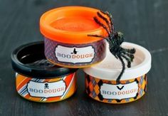 Halloween Printables: Boo Dough Wraps for little Play-Doh party favors or treats